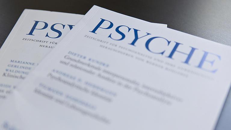 """Zwei Fachzeitschriften mit dem Namen """"Psyche"""""""