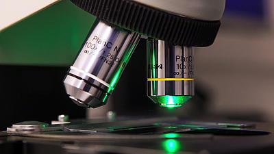 Detailaufnahme vom Mikroskop