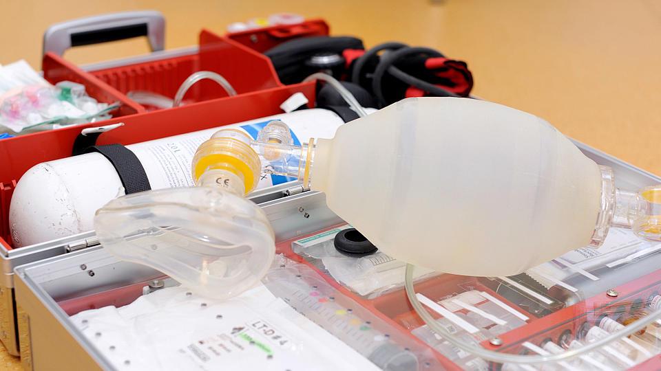Ein vollgepackter Notfallkoffer.