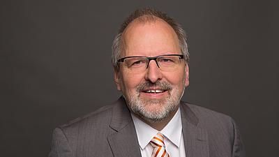Ein Porträtfoto von Heinz-Peter M,