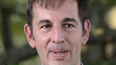Ein Porträt-Foto von Michael Hümmer.
