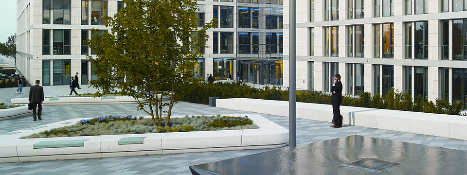 Foto des Campus der R+V Versicherung.