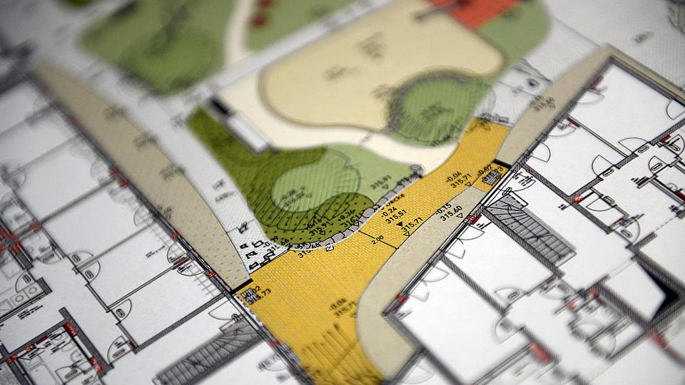 Ausschnitt von einem Bebauungsplan mit farbigen Teilen.