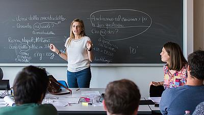 Studierende im Italienischunterricht.