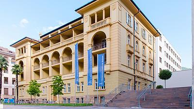 Das Rektorat der Uni Bozen.