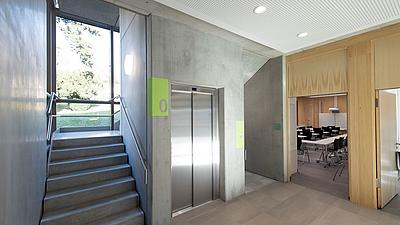 Das Treppenhaus der Evangelischen Hochschule Ludwigsburg
