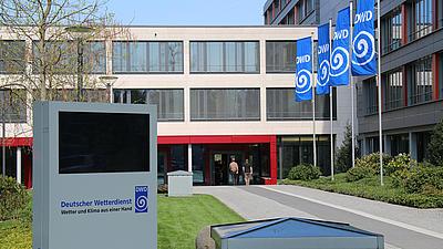 Das Bild zeigt die Zentrale des Deutschen Wetterdienstes in Offenbach.